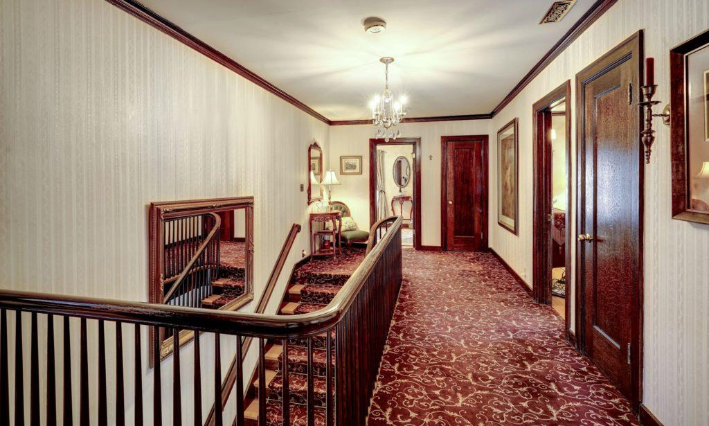 Guest Room Floor Hall 1024x615