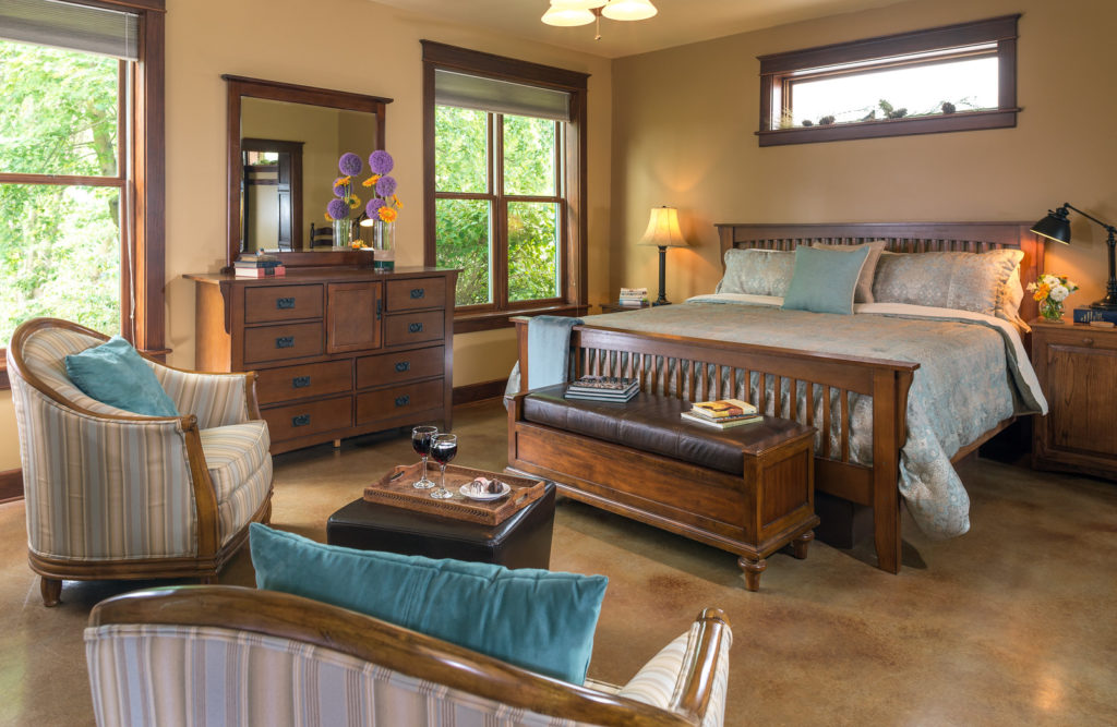 Hartzell House Interiors Guest Rooms Patriots Suite September 2017 3 X3 1024x667