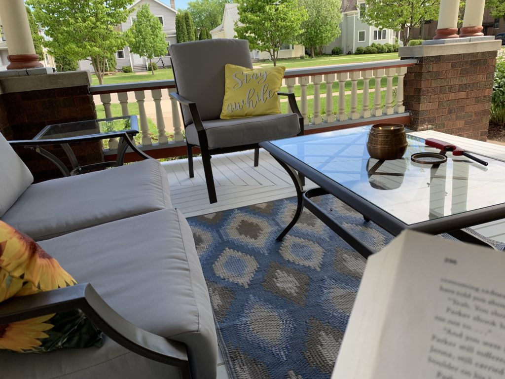 Porch in Summer 1 1024x768