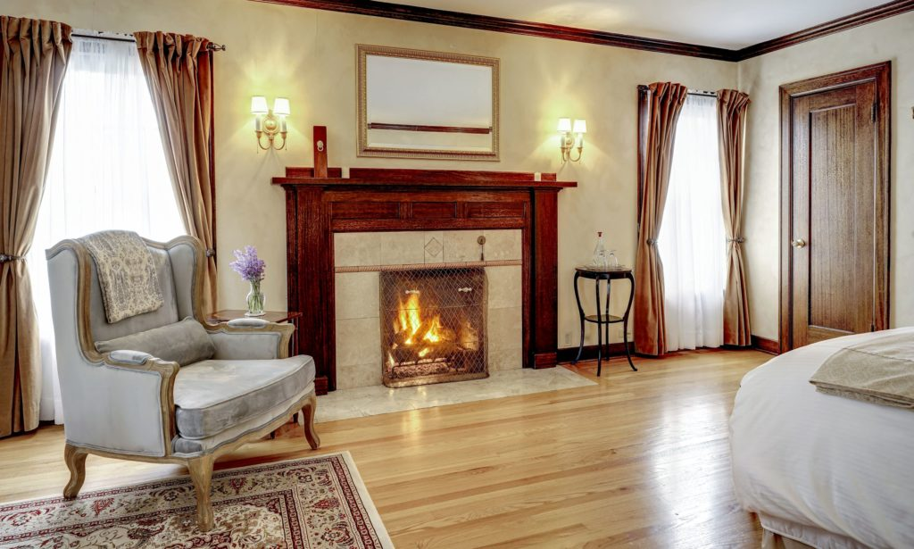 Tuscan Suite Fireplace 1024x615