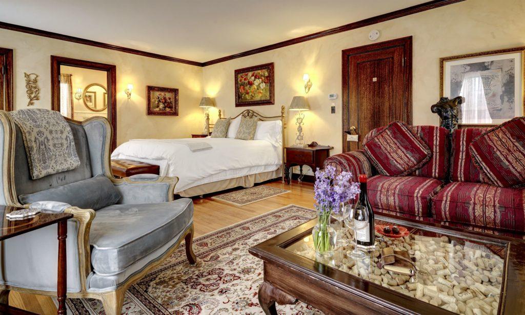 Tuscan Suite towards Door 1024x615