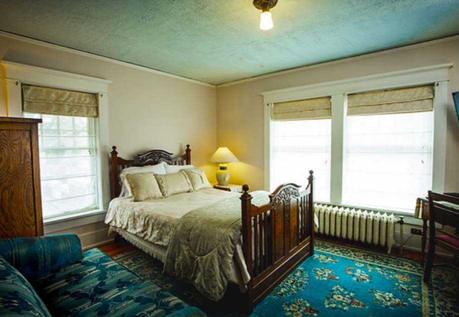 lincoln bed and breakfast 04