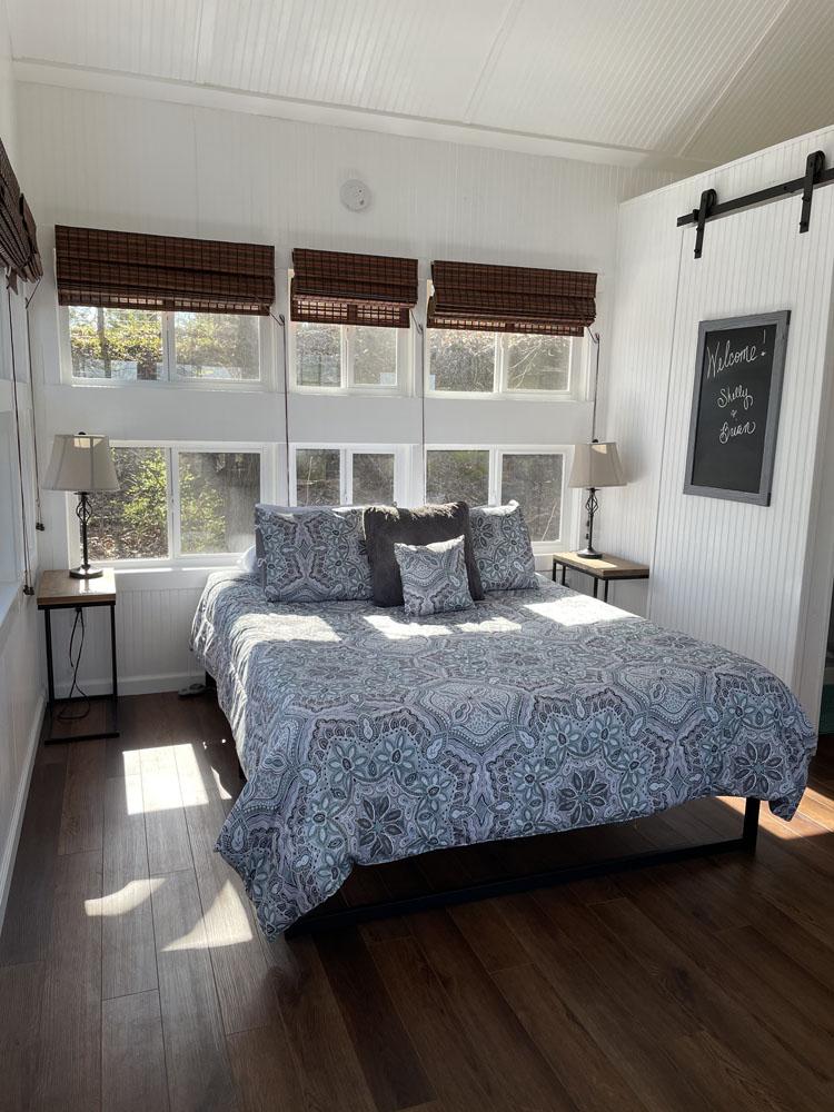 Moonlight Treehouse main bed