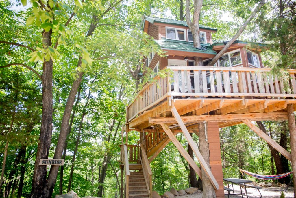 missouri tree house bed and breakfast 1024x683