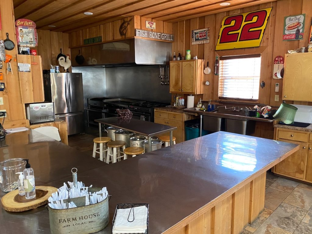 lodge bar and kitchen 1024x768