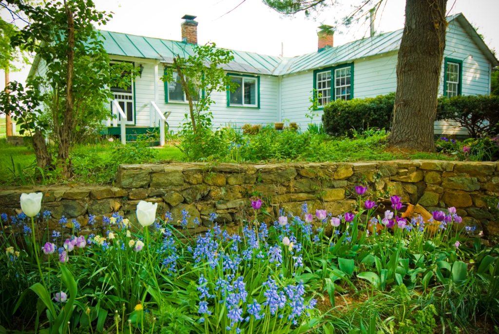 Cottage ExteriorA 1024x685
