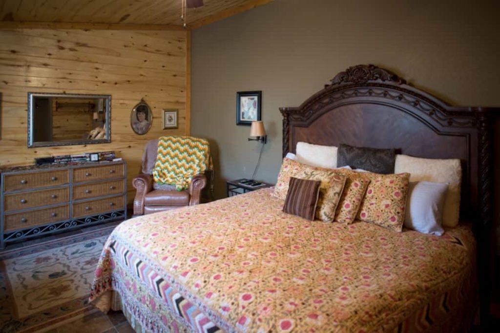 jamesport missouri bed and breakfast02 1024x682