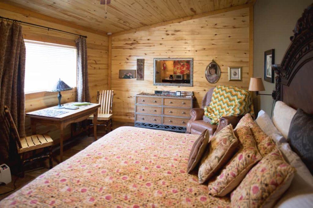 jamesport missouri bed and breakfast04 1024x682