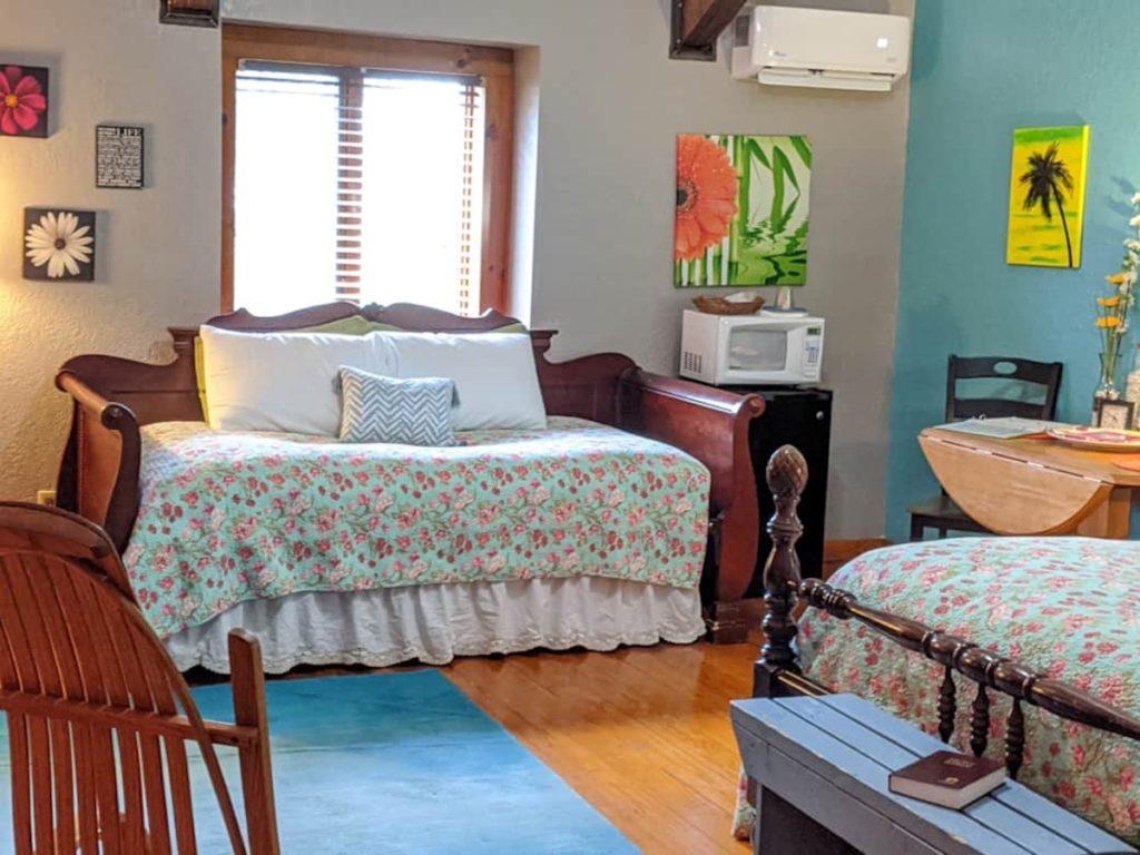 jamesport missouri bed and breakfast05 1024x768